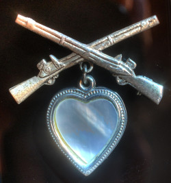 WWII Sweetheart Jewelry - locket with crossed rifles