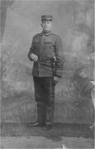 WWi in Pictures - WWI French soldier?