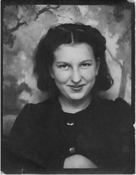 Donna Farrington, my mother, age approximately 15.